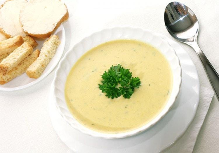 Быстрый сырно – овощной суп за 30 минут