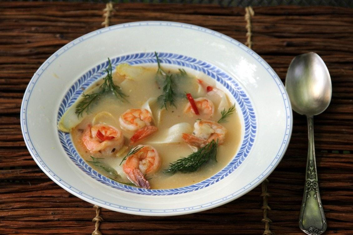 Пошаговый рецепт приготовления весенний суп со спаржей и креветками