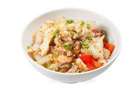 теплый рис с морепродуктами