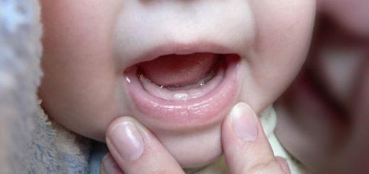 Последовательность прорезывания первых зубы у детей, сроки