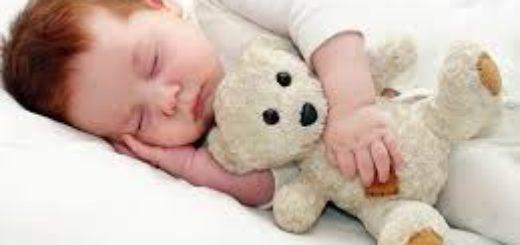 Сколько должен спать и бодрствовать новорожденный ребенок в сутки.Причины плохого сна